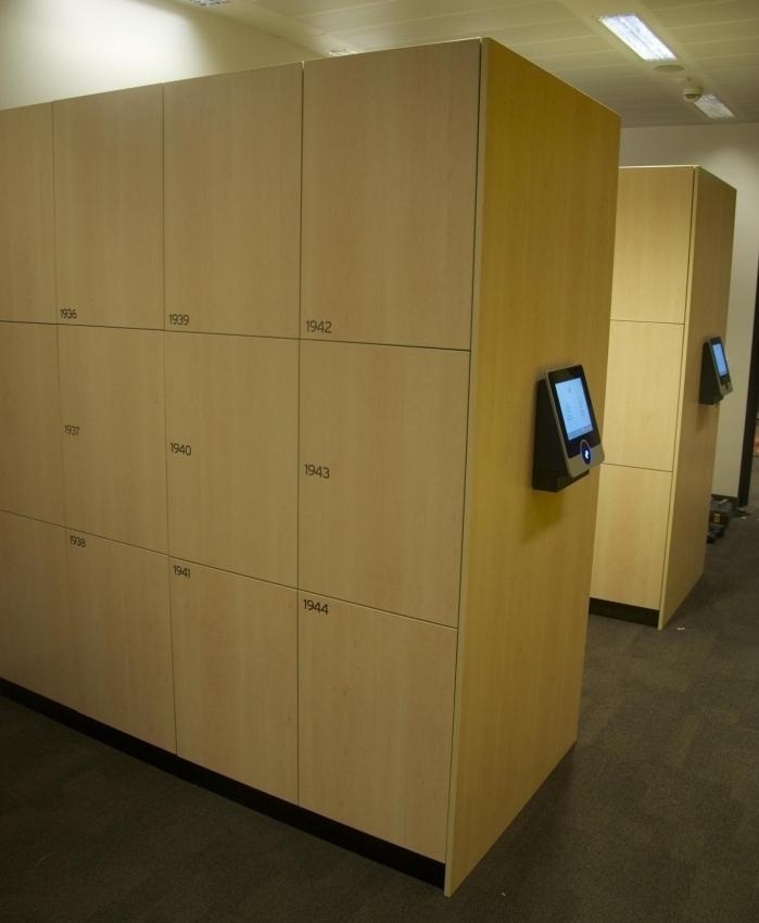 smart-lockers-wood