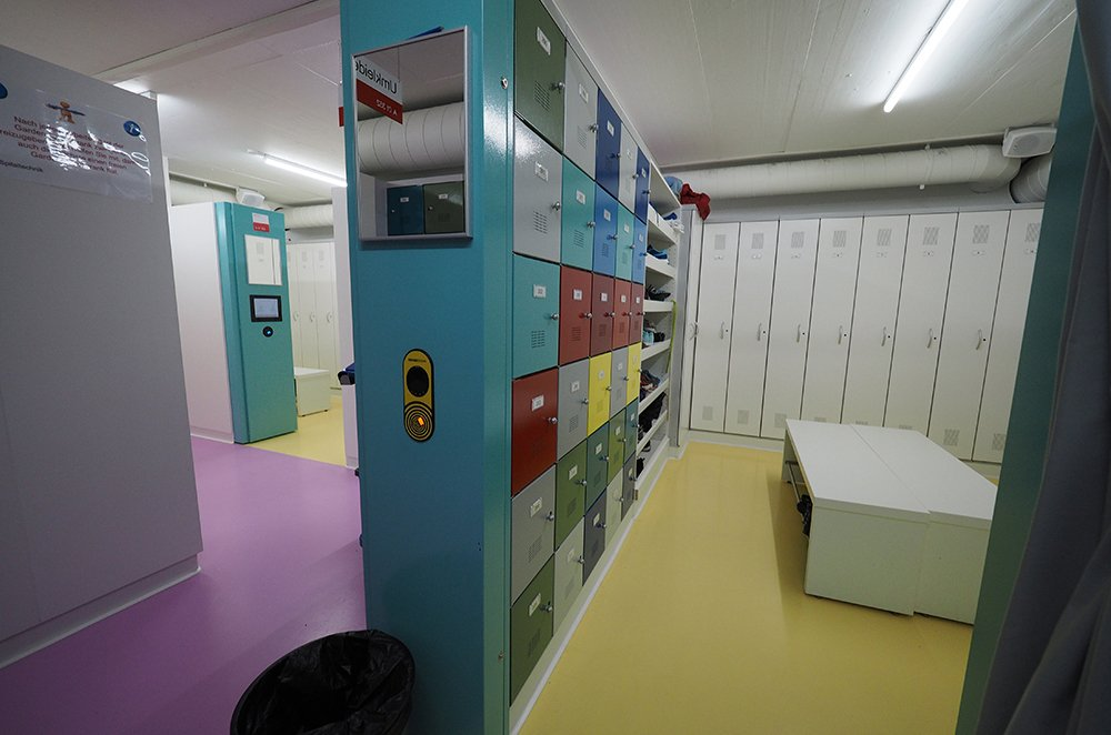 electronic smart hospital lockers for employees
