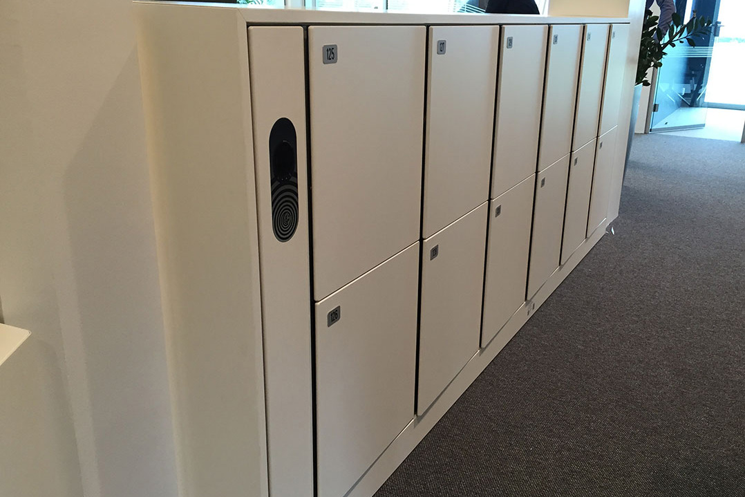 agile lockers for workplace / offices