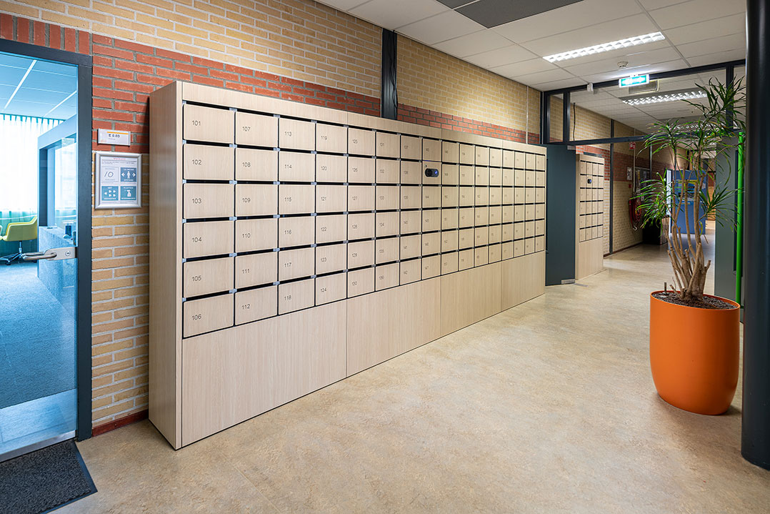 smart-student-lockers-college2