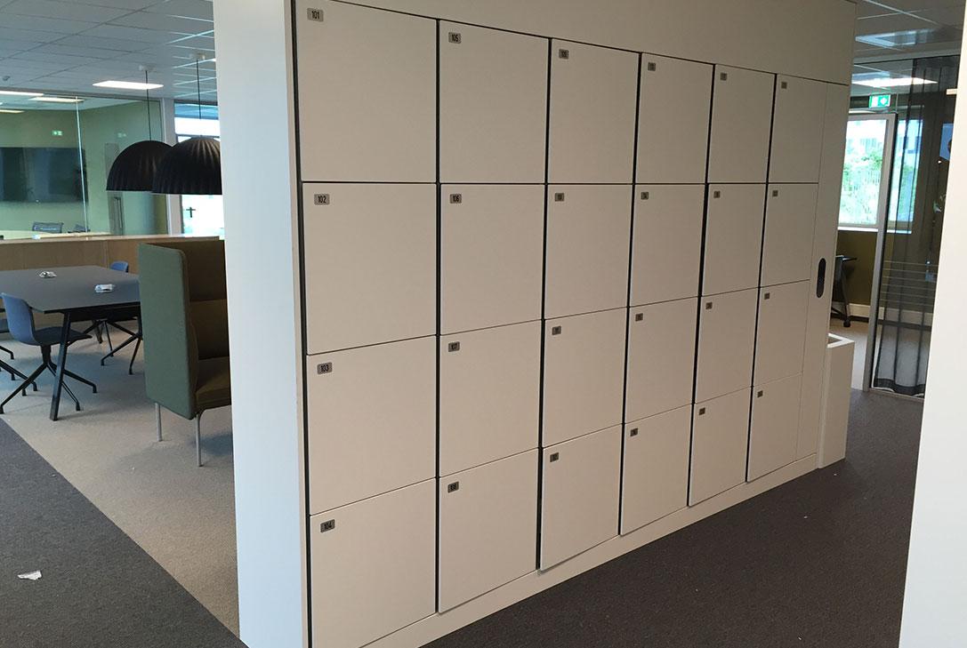 Electronic locking for storage lockers - Workplace lockers